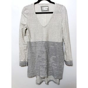 Anthropologie Devi tunic grey white stripes small